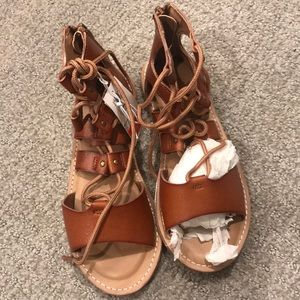 Girls gladiator sandals old navy NWT size 1